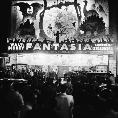 1216508_Audiences_Gathered_Outside_Theater_For_the_Brazilian_Premiere_of_Walt_Disney_s_Fantasia_Affiches