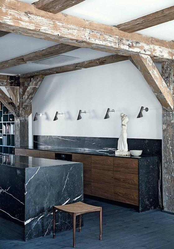 1 bjaelker-kokken-sort-marmor-storbylejlighed-koebenhavn-TRMYxon7DegGDZ4ywUR0bA