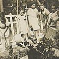 Jardinage : Jean Galinat ( ?) Madeleine Minster Ginette , Janine , Michelle Minster