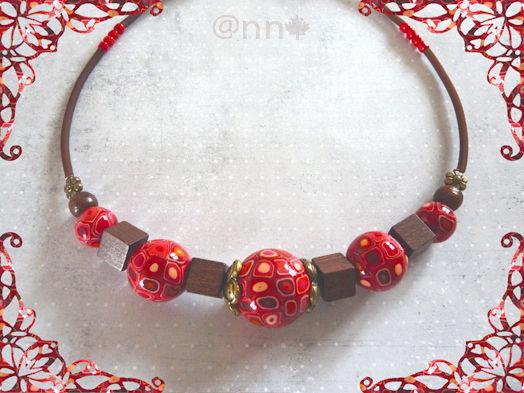 Collier multi rouge orange beige, perles bois, bronze (N)