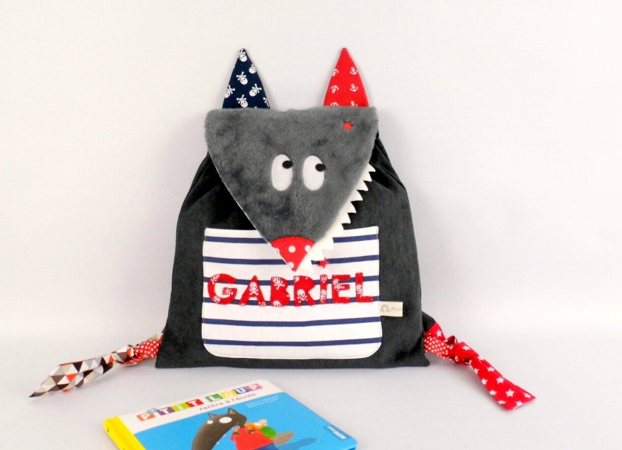 Sac à dos loup prénom Gabriel personnalisable rouge gris bleu marine style marin sac garçon école maternelle