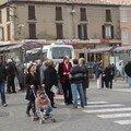 3 mars 2007, Brignoles : distribution de tracts sur le marché