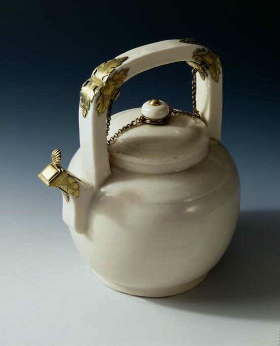 Teapot with Mounts, China for export, late 17th century, porcelain. Peadody Essex Museum © 2001-2014 The Peabody Essex Museum.