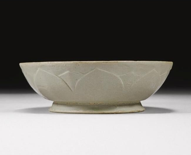 A rare 'Yue' bowl, Five Dynasties period (907-960)