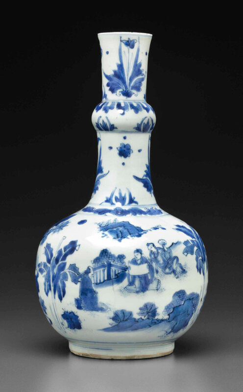 A blue and white bottle vase, Transitional period, circa 1635-40