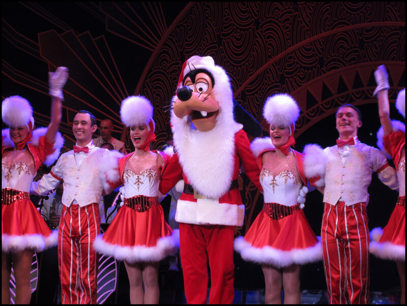 Mickey Christmas Big Band (11)
