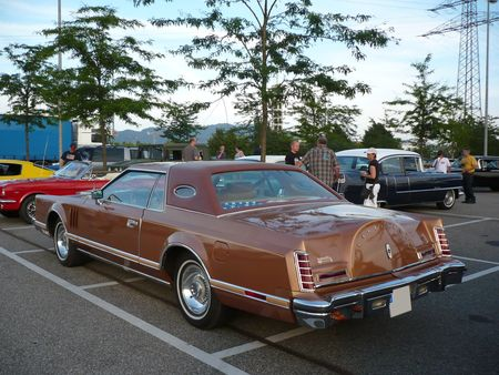 LINCOLN_Continental_Mark_V_2door_hardtop_coup__1977_Offenbourg__2_