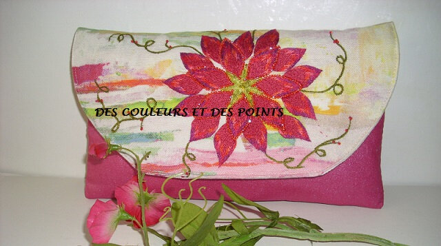 POCHETTE FLEUR BRODEE ROSE