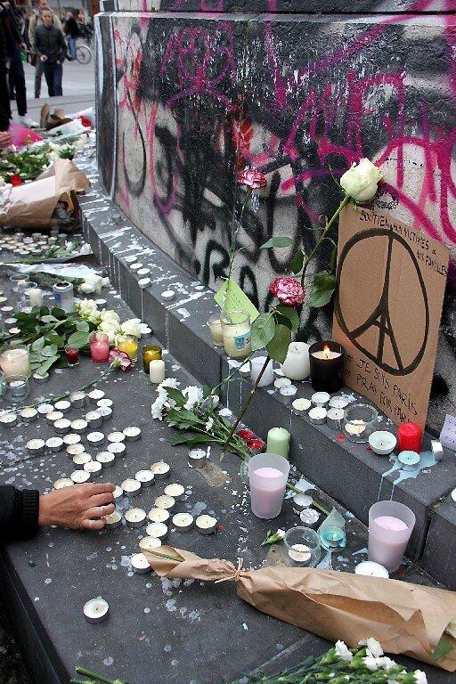 Hommage attentats Répu 13-11-15_5353