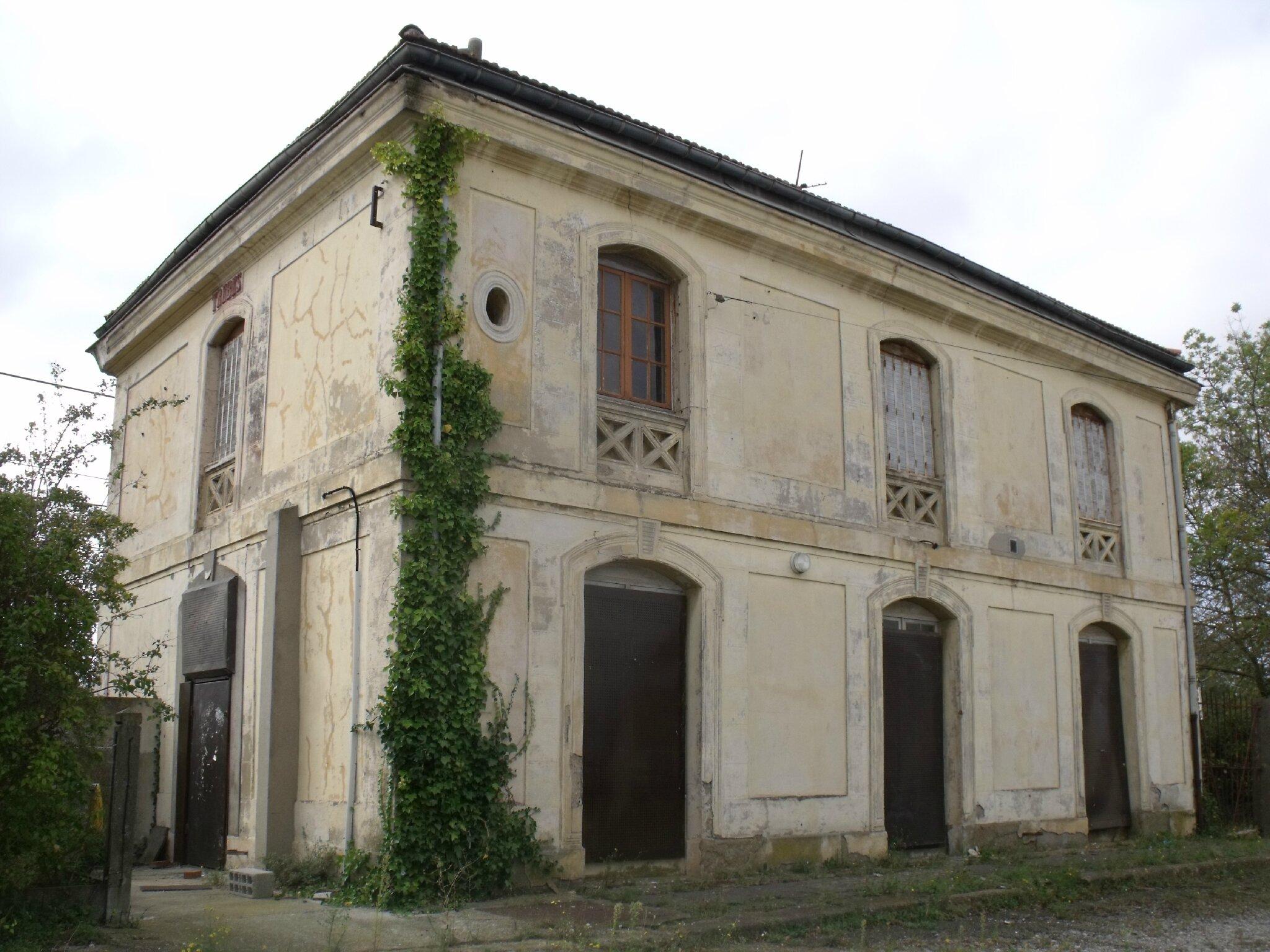 Trèbes (Aude - 11)
