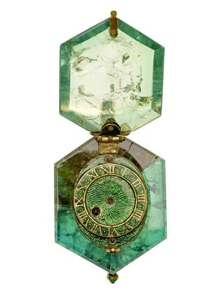 Emerald_Watch_2