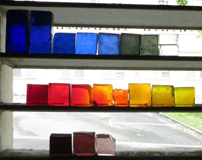 Morceaux de dalle de verre utilisés à Morne à l'Eau