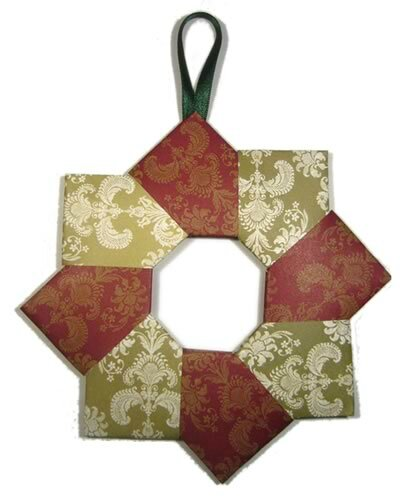 easy-to-make-christmas-decorations-origami-wreath-400x499