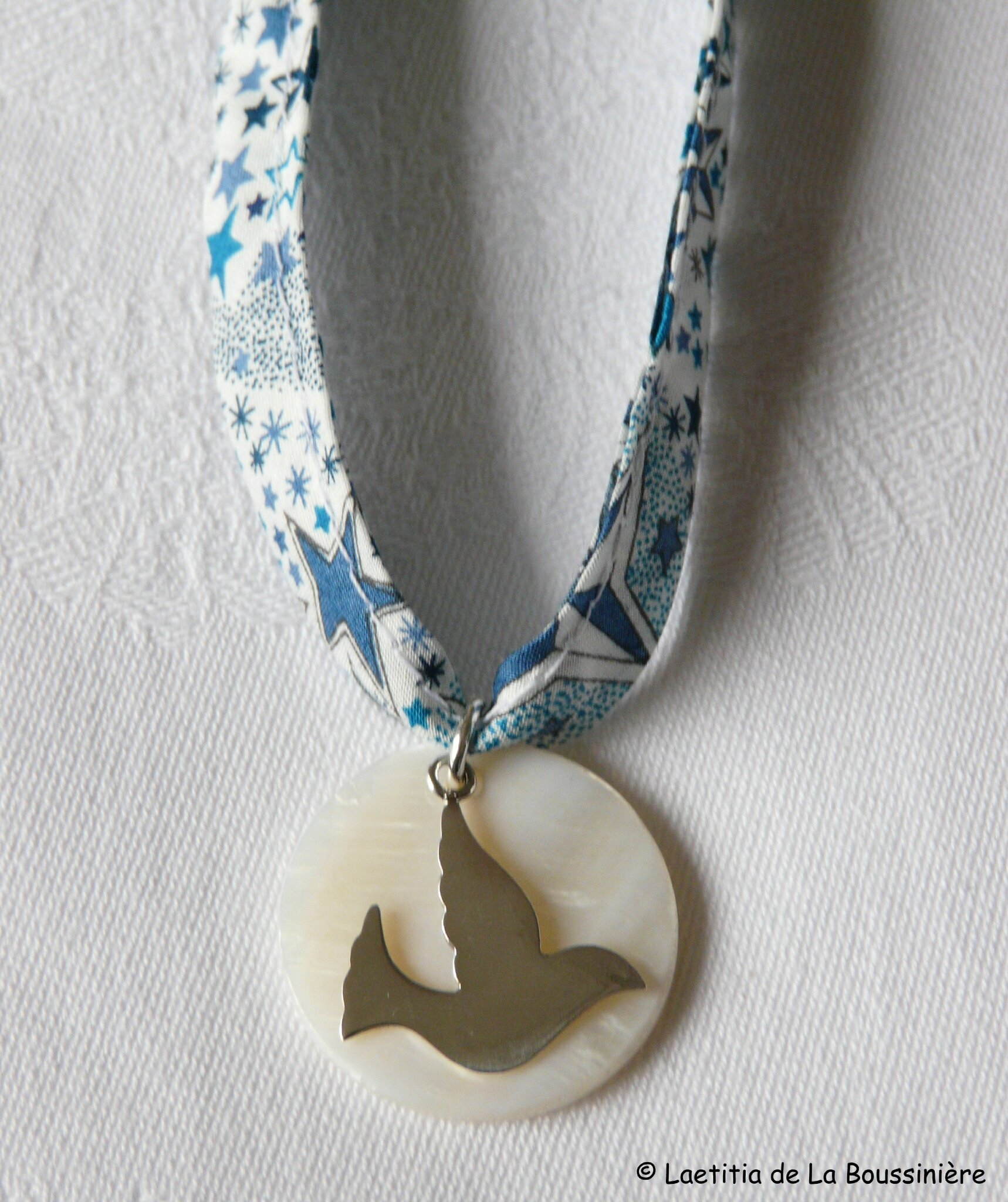 Collier de Confirmation (sur ruban Adeladja bleu) - 36 €