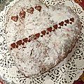 Pain d'épices aux noix et fruits confits de la saint valentin