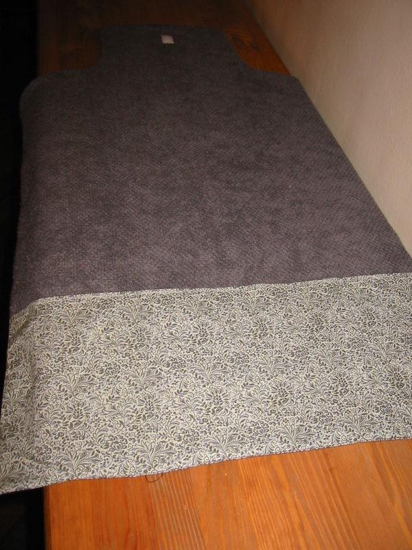 tapis à langer gris