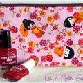trousse plate rose avec geishas