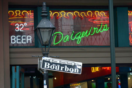 Louisiana_Bourbon_Street_1