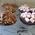 Cupcakes chocolat & marshmallows ou éclats de crêpes dentelles