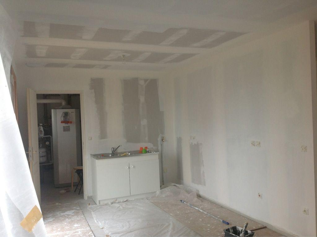 peinture sous couche presque fini un toit pour la vie. Black Bedroom Furniture Sets. Home Design Ideas