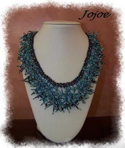 Collier bleu bugles