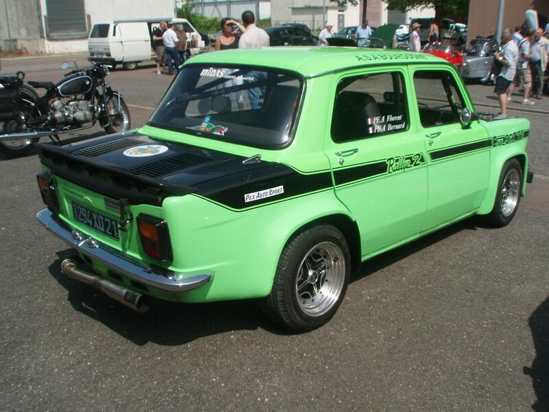 Simca_1000_Rallye_2_coupe_SRT_77_-_Front_right_1_(04)