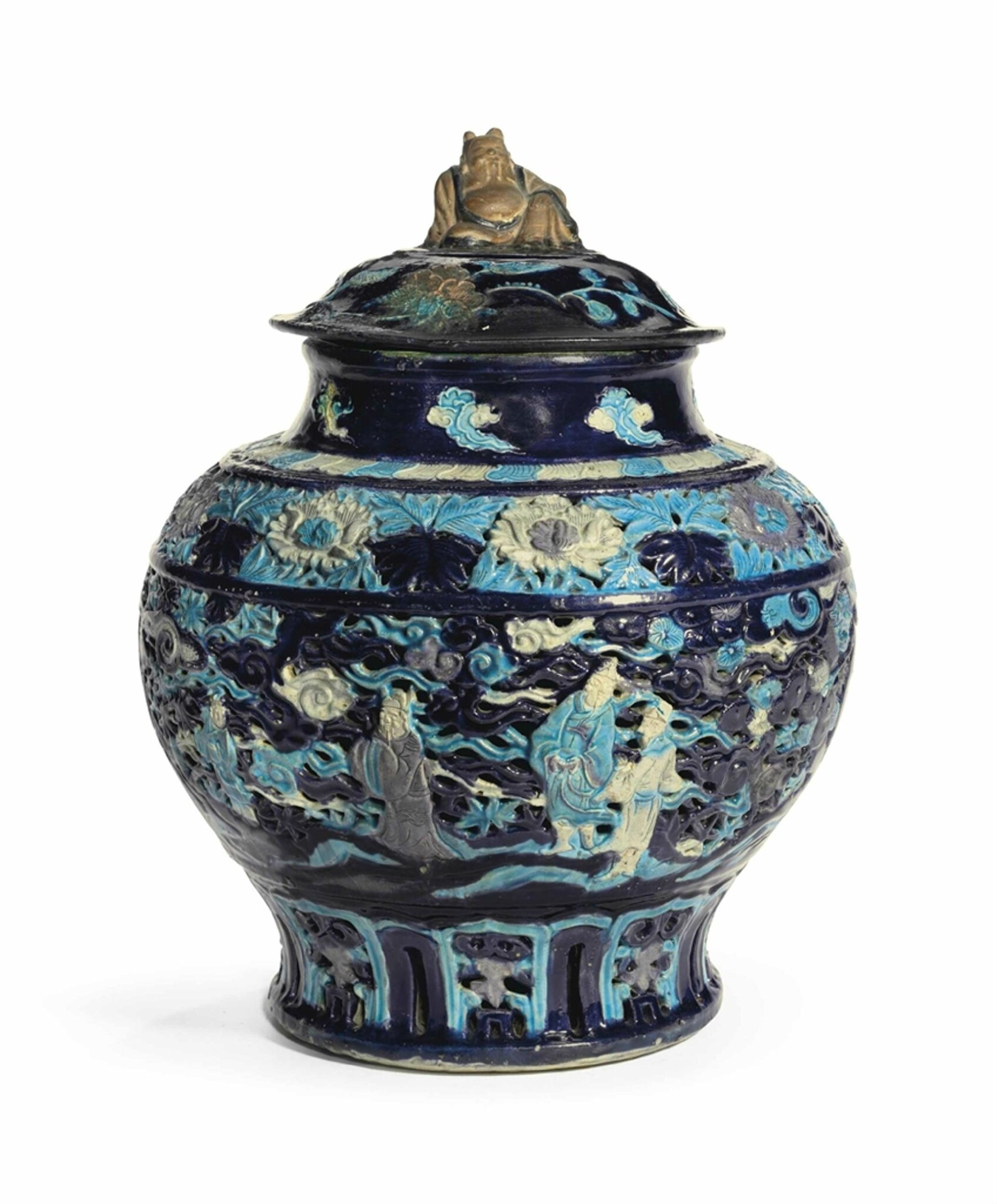 A large Fahua reticulated jar and cover, Ming dynasty, 15th-16th century