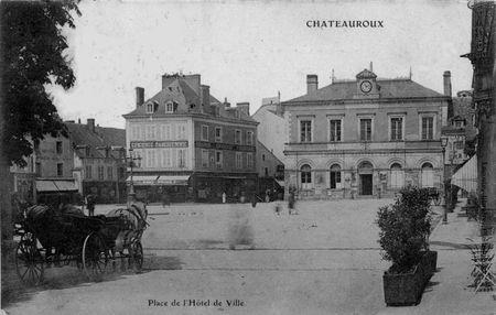 D_but_20_me_Si_cle___Ch_teauroux_Place_de_l_Hotel_de_Ville