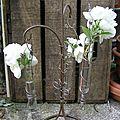 suspension trois fioles et fil de fer