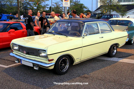 Opel_rekord_type_B_1900__Rencard_Burger_King_septembre_2011__01