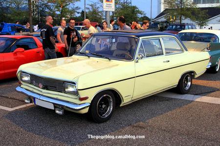 Opel_rekord_type_B_1900__Rencard_Burger_King_septembre_2011__01