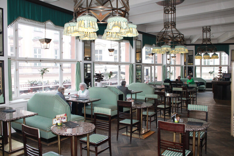 grand_cafe_orient3
