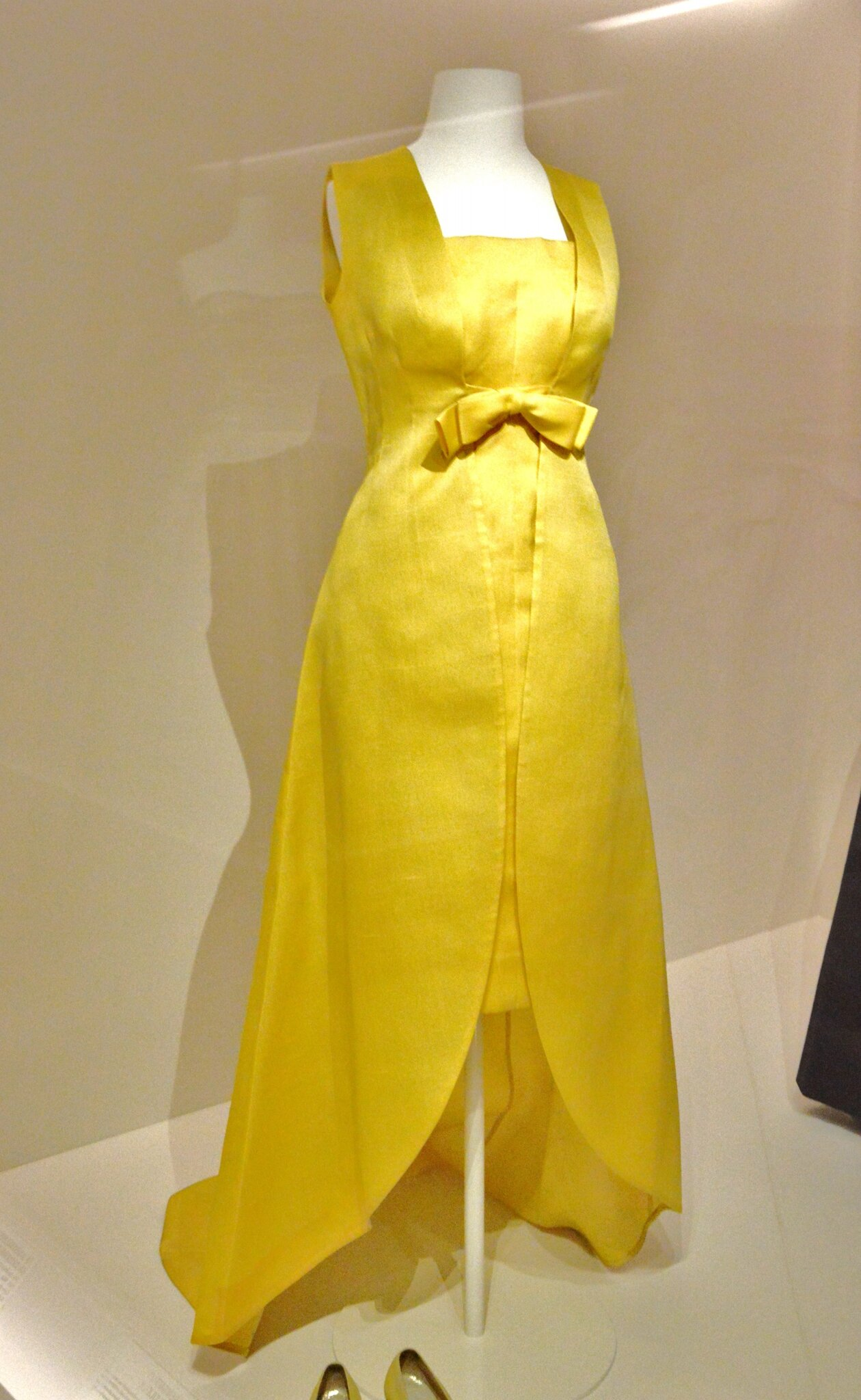 Yellow evening ensemble, Cristòbal Balenciaga, Paris, 1966-67