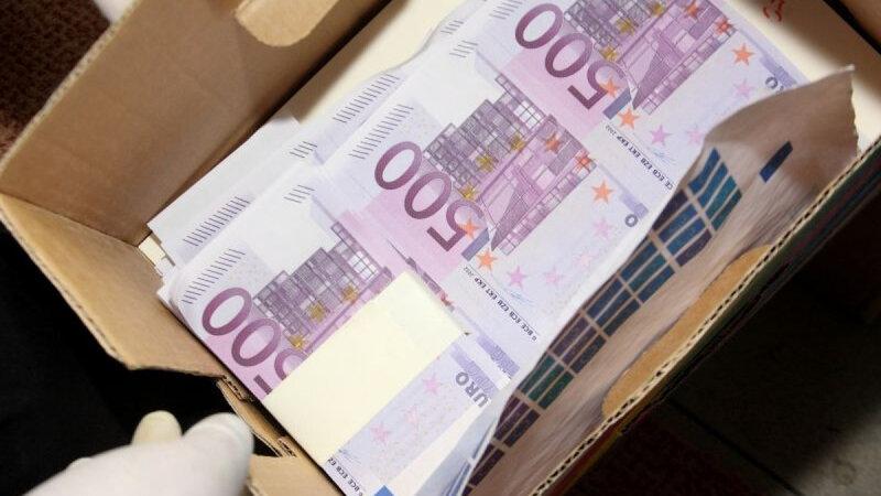 fabrica-de-bani-falsi-pentru-mafia-italiana-la-oradea-14-milioane-de-euro-confiscati-de-diicot-alti-277044