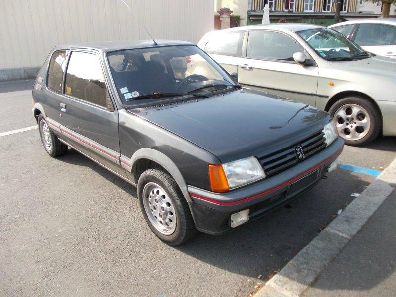 Peugeot205GTIav1
