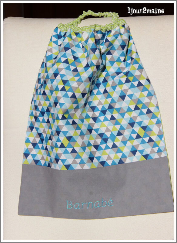 serviette Barnabé triangles