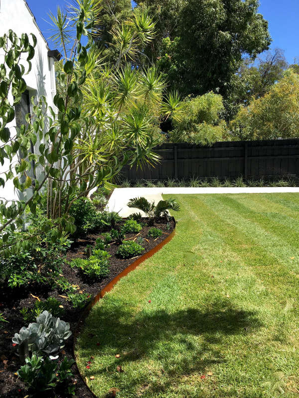 Ascher-Smith-Perth-Landscaping-Hawkstone-ExteriorStyling-4