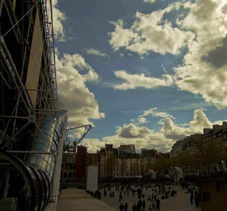 beaubourg__nuages