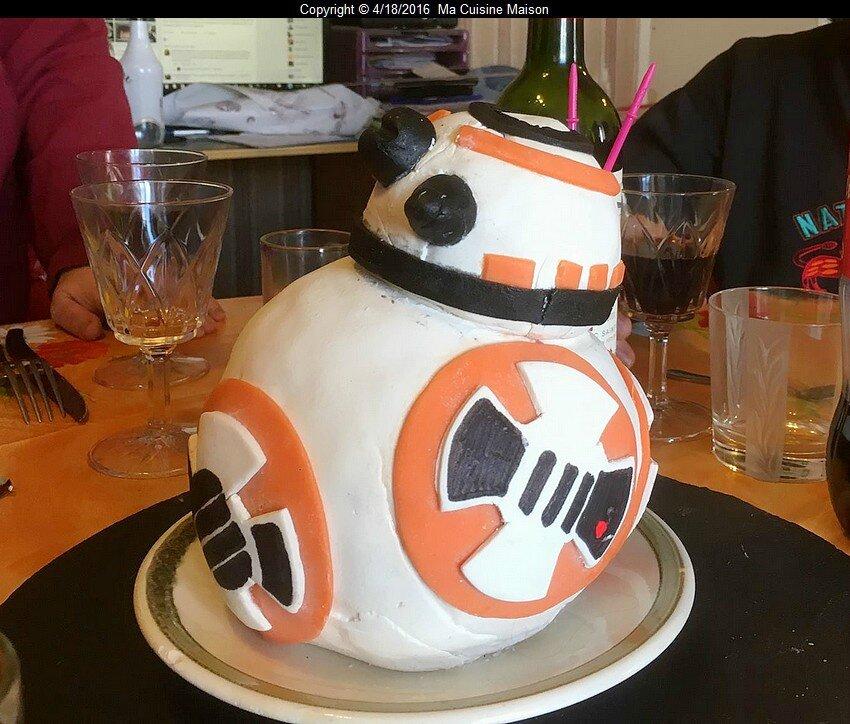 CAKE DESIGN BB8 STAR WARS VII (Recette maison)