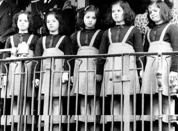 jumelles-dionne-1943-quelques-semaines