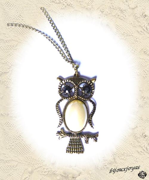 Pendentif Style Vintage Hibou Perle Nacrée Blanche Yeux Strass Noir Métal Couleur Bronze