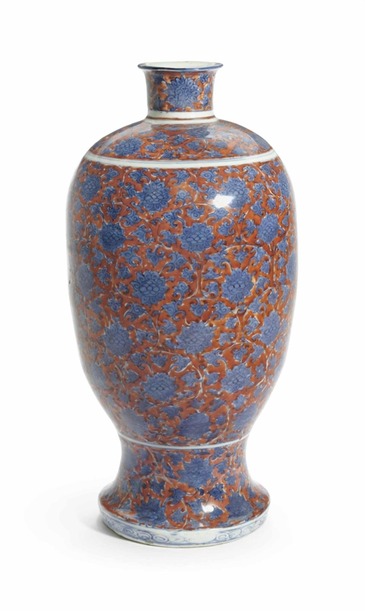 An iron-red-ground blue and white ovoid vase, Ming dynasty, 16th-17th century