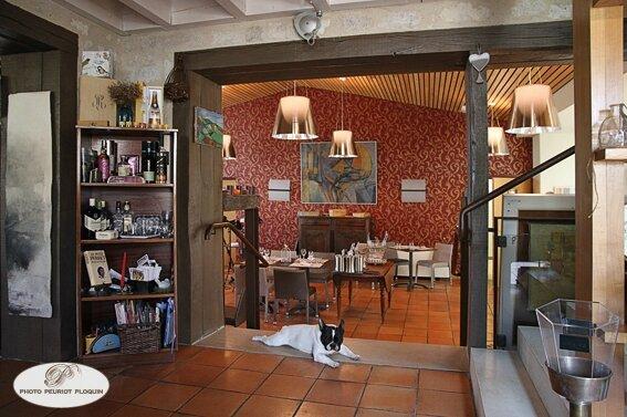 MONTJOI_La_Cage_aux_Oiseaux_entree_de_la_salle_du_restaurant