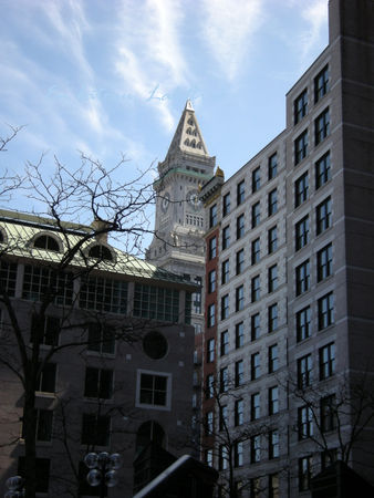 Boston_Quincy_Market_and_Old_Customer_House_Tower