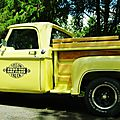 V8 brothers' summer meeting #5 - yellow express dodge truck
