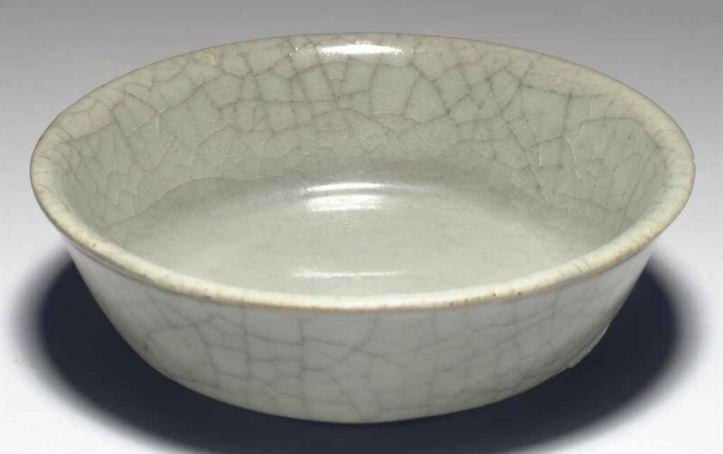 A rare small Guanyao shallow dish, Southern Song dynasty, 12th-13th century