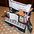Card-in-a-box piano géant - profil