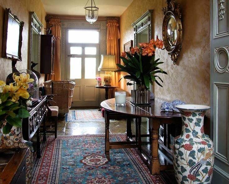 928477c59aea92b54c9735f4cca77c8c--hall-interior-design-petit-hotel