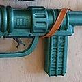 00835 pistolet mitrailleur marque lsp