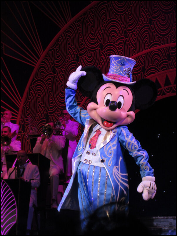 Mickey Christmas Big Band (56)